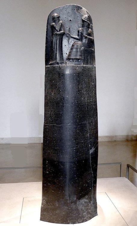 800px-P1050763_Louvre_code_Hammurabi_face_rwk.JPG